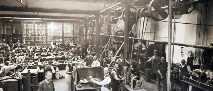 old photograph of Ögussa employees