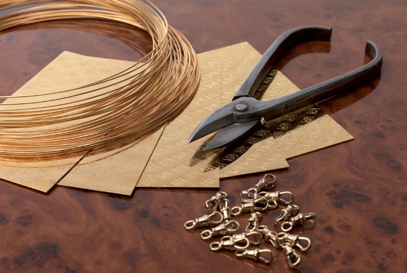 Jewellery Metals root wood